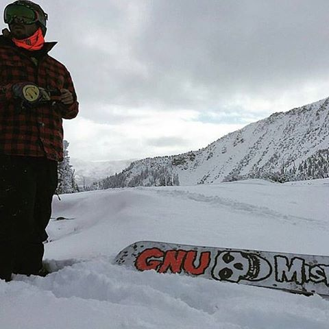 El Capitan @dannykass on the hunt for shred in Mammoth! Where are you riding this weekend?