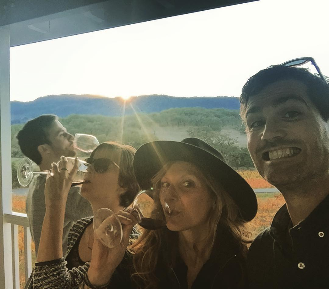Last Sip // Last Light @iskelbs @j_prete @mcelberts #sunset #sunsetchaser #sonoma #family #thanksgiving