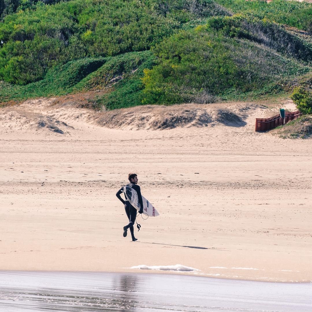 ¿Están listos? Mañana se hace el #SurfTheChecklist, desde las 6.30, en la playa donde mejor rompa (avisaremos más temprano). Ahí nos vemos, Marpla