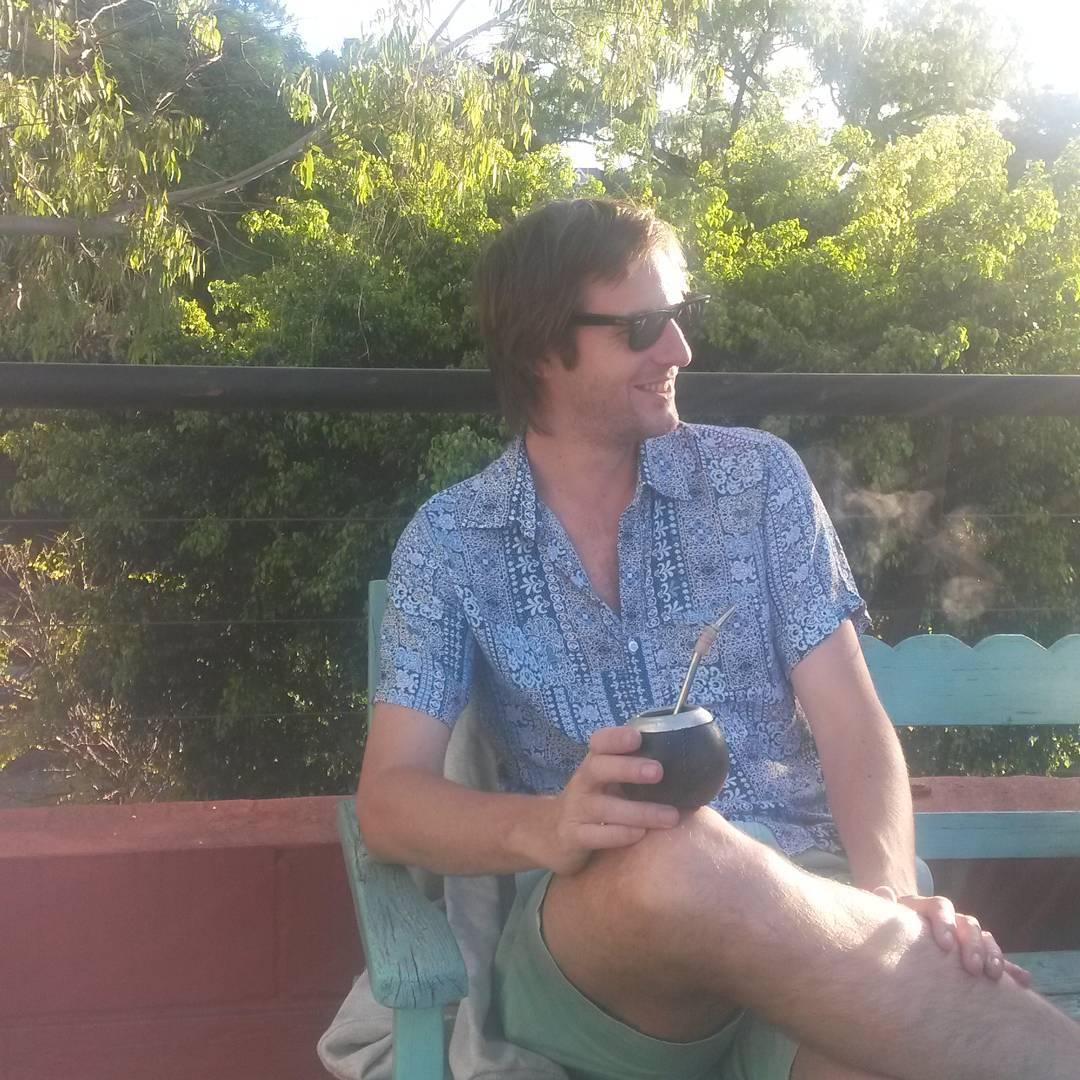 Que mejor que cerrar el fin de semana con unos mates en familia.  Te gustó la chemise???...boliche on line  o  locales amigos en  www.panzapeople.com