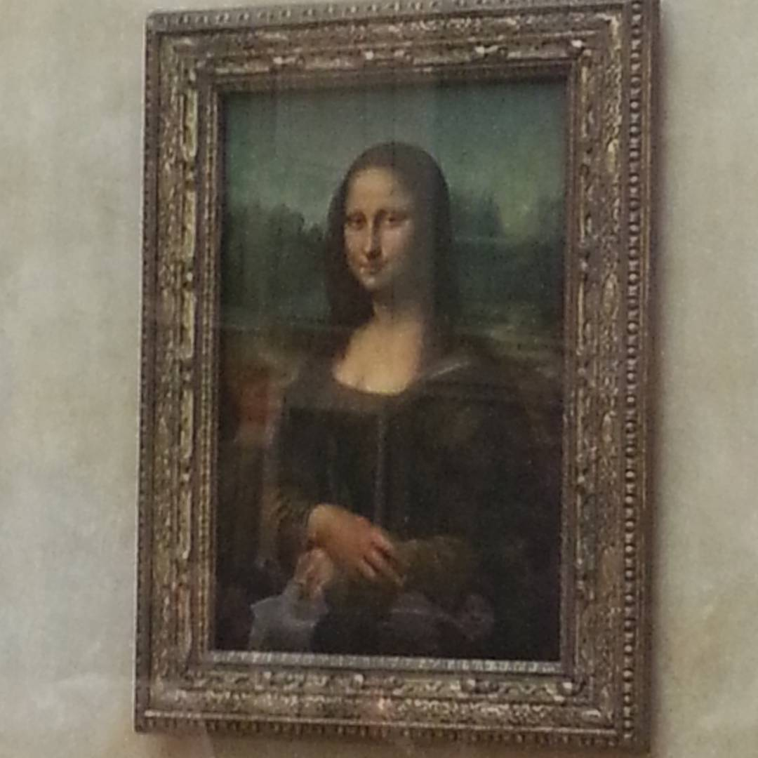 Stopped by the #louvre to see if #Mona was thinking about #kayaking!  What are your thoughts? #sheneedsahelmet