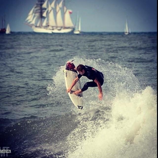 Les dejamos una imagen que nos manda Feli Suárez desde Mar del Plata, Argentina. @felisuarez1 #volcomsurf #goFeli #volcomfamily #surf #volcom