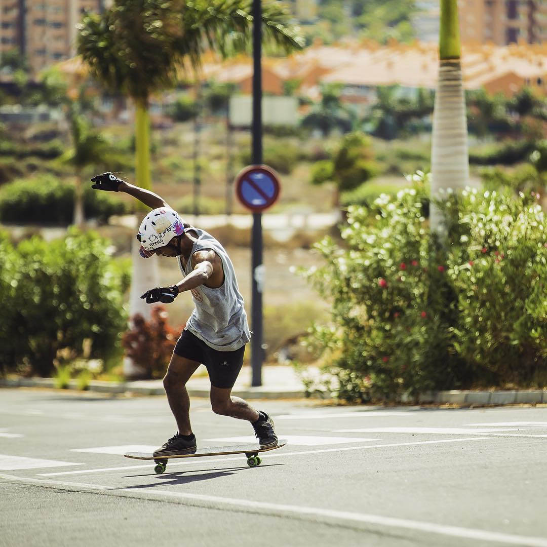 Enjoying the days, team rider @agboton soaks up the Mediterranean sun and kicks out a relaxed toeside check.