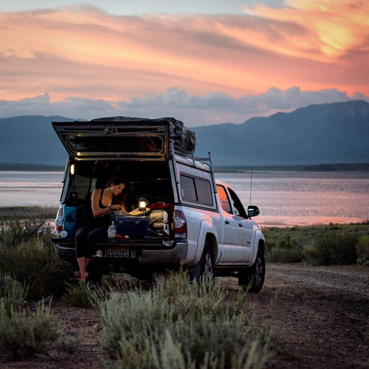Dinner on a tailgate with GZ Ambassador @meg_haywoodsullivan. #getoutstayout  Photo: @charles_post