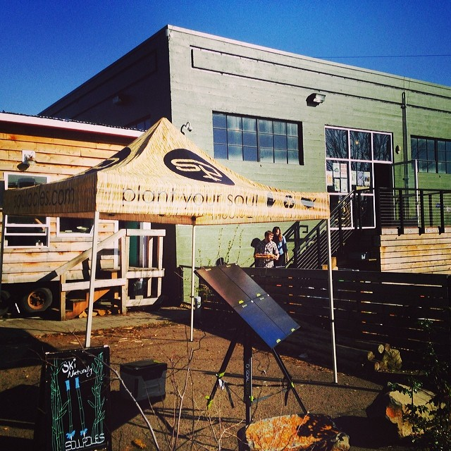Don't let the flowers and sunshine fool you #portland, it is still ski season.  Come down to @basecampbrewing for some live music, delicious drinks, and custom skis:snowboards from @deviationusa, and custom #bambooskipoles.  6:30 - 9 pm at 930 SE Oak...