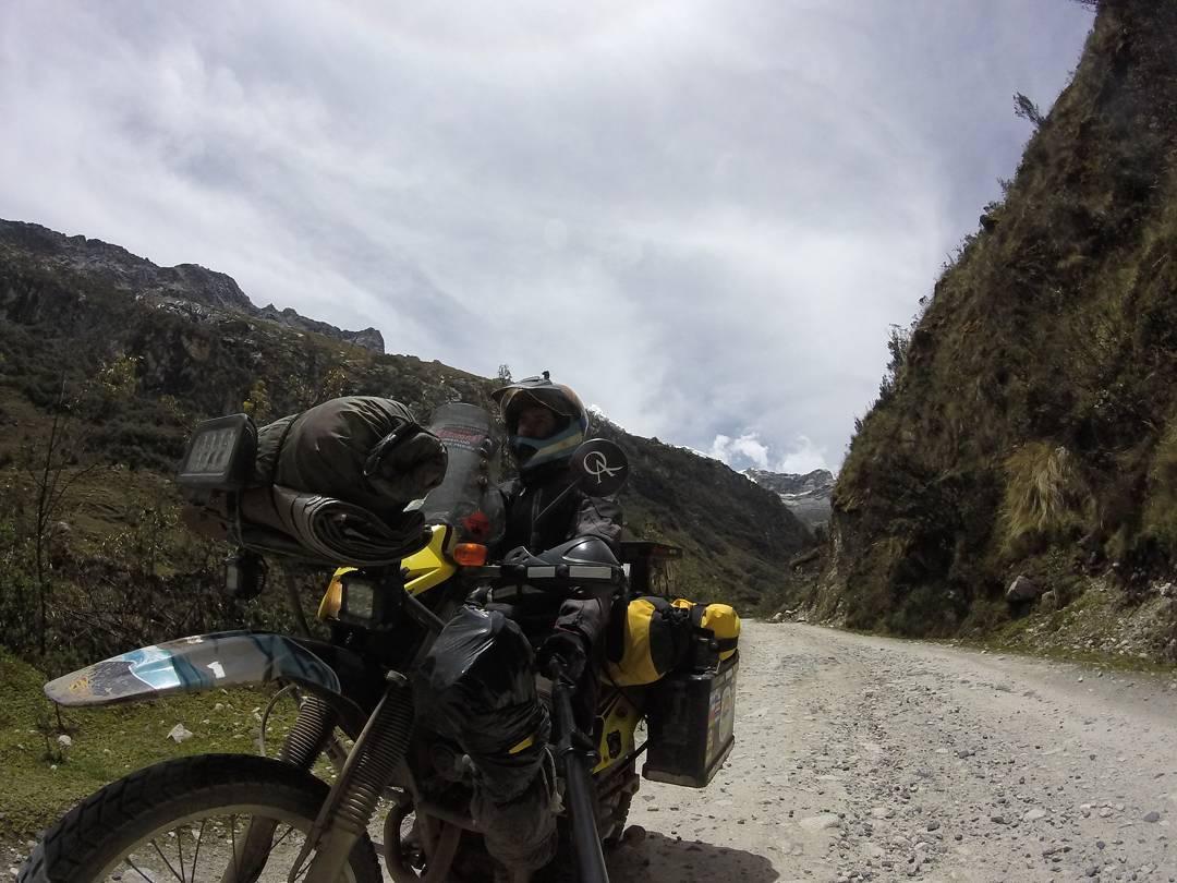 Ahora está en Brasil, a días de llegar a Argentina para culminar su viaje en moto desde Alaska. Enorme la ACTITUD de Javi @soplandoalnorte !!! ✔ #ActitudQA #soplandoalnorte