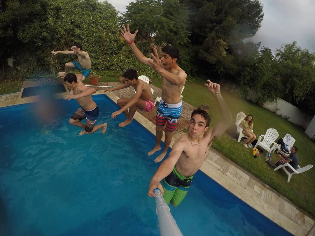 Foto 2 - @lucasciccolini ✨ - Las 10 fotos fueron elegidas!! Tienen hasta el miércoles 9/12 para juntar la mayor cantidad de likes en instagram y facebook! El ganador se lleva una #GoProHero + 1 #ZephyrPole y unos pants de @elepantsarg !! A sumar...