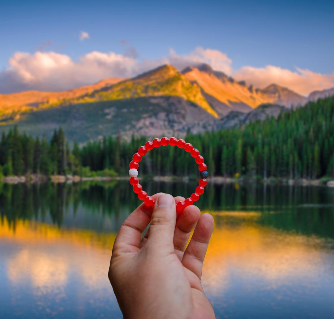 If a picture's worth a thousand words, then the journey's worth a million. Get your red lokai to help improve a child's journey by following the link in our bio @savethechildren #livelokai #givingtuesday  Thanks @davie8thebaby