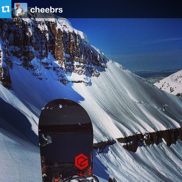 Oh Man! Check out our friend @cheebrs about to drop into some fresh bluebird pow at #Targhee // that's what good days are made of - wish were out there with ya! #regram #dropping #snowboarding #Tetons #wyoming #pow