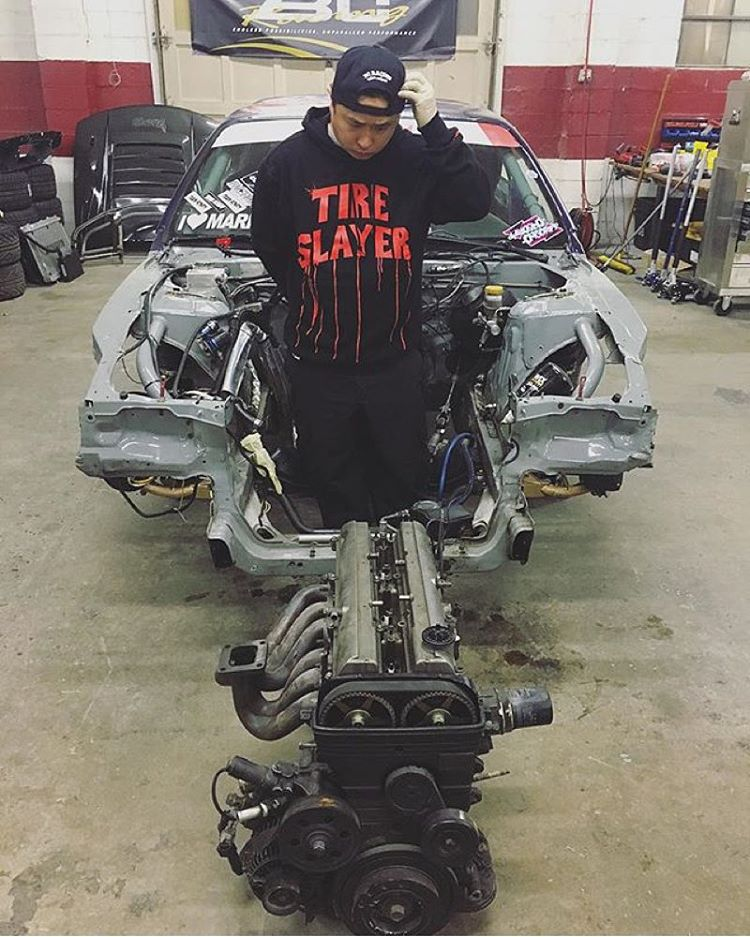 One @geoffstoneback or 2jz? Get that Tire Slayer pullover hoodie on #hooniganDOTcom.