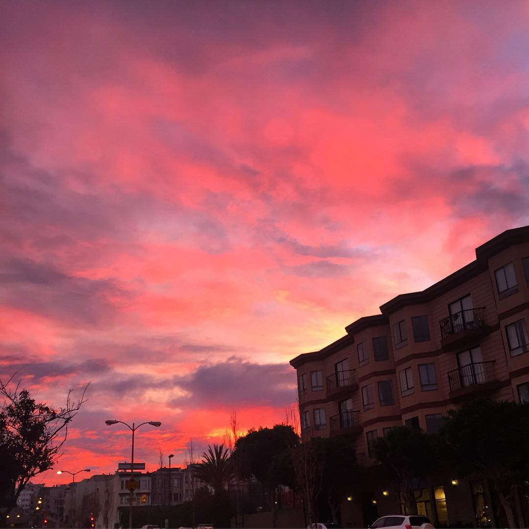 This mornings sunrise was sooooo ugly #sunrise #sanfrancisco #nowrongwaysf #wildbayarea #morningworkout #riseandgrind #riseandshine