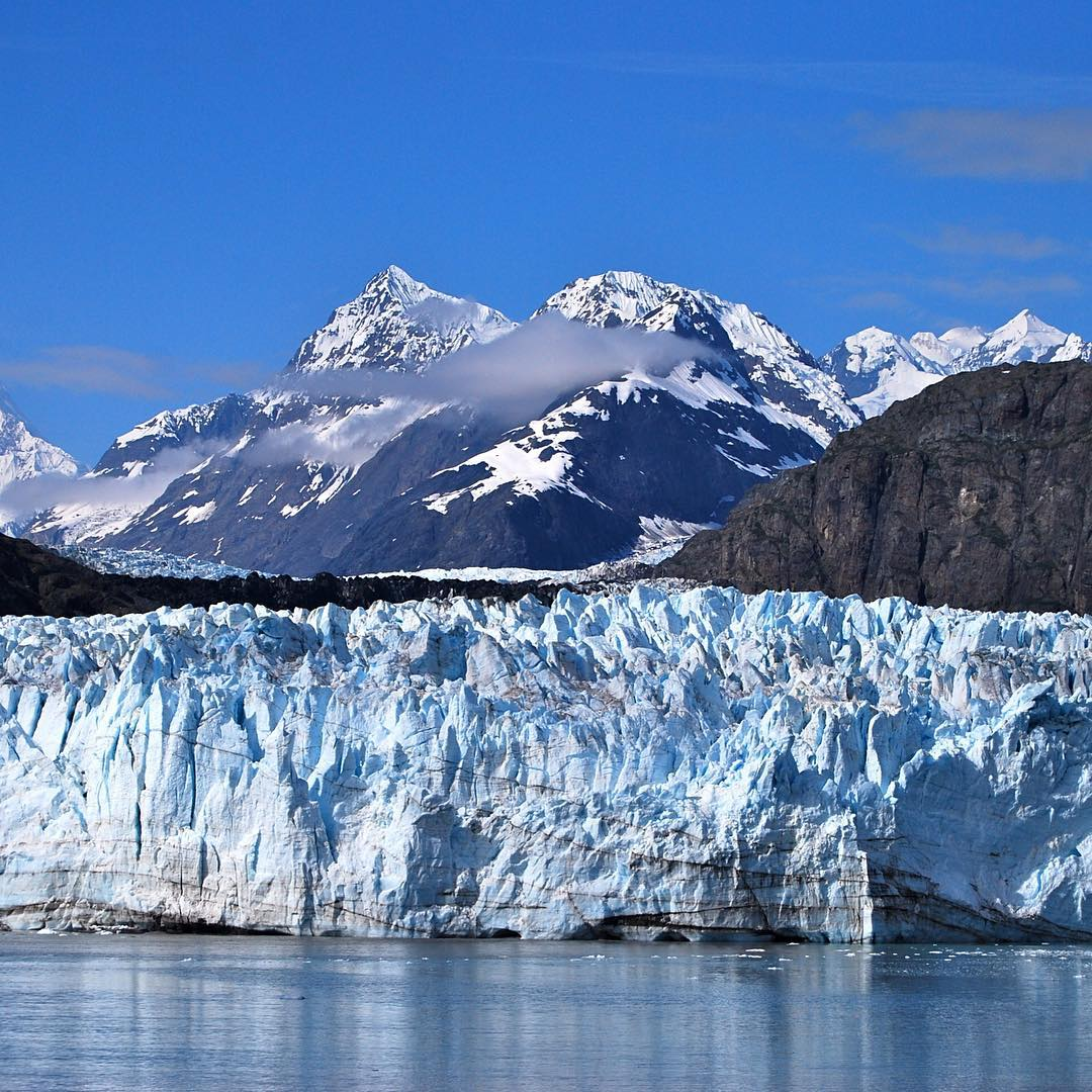HAPPY BDAY GLACIER BAY NATL PARK Founded in 1980 this gem of Alaska turns 35 today. This park preserves 600,000 acres of marine ecosystem. #radparks #alaska #glacierbaynationalpark #leaveitbetterthanyoufoundit