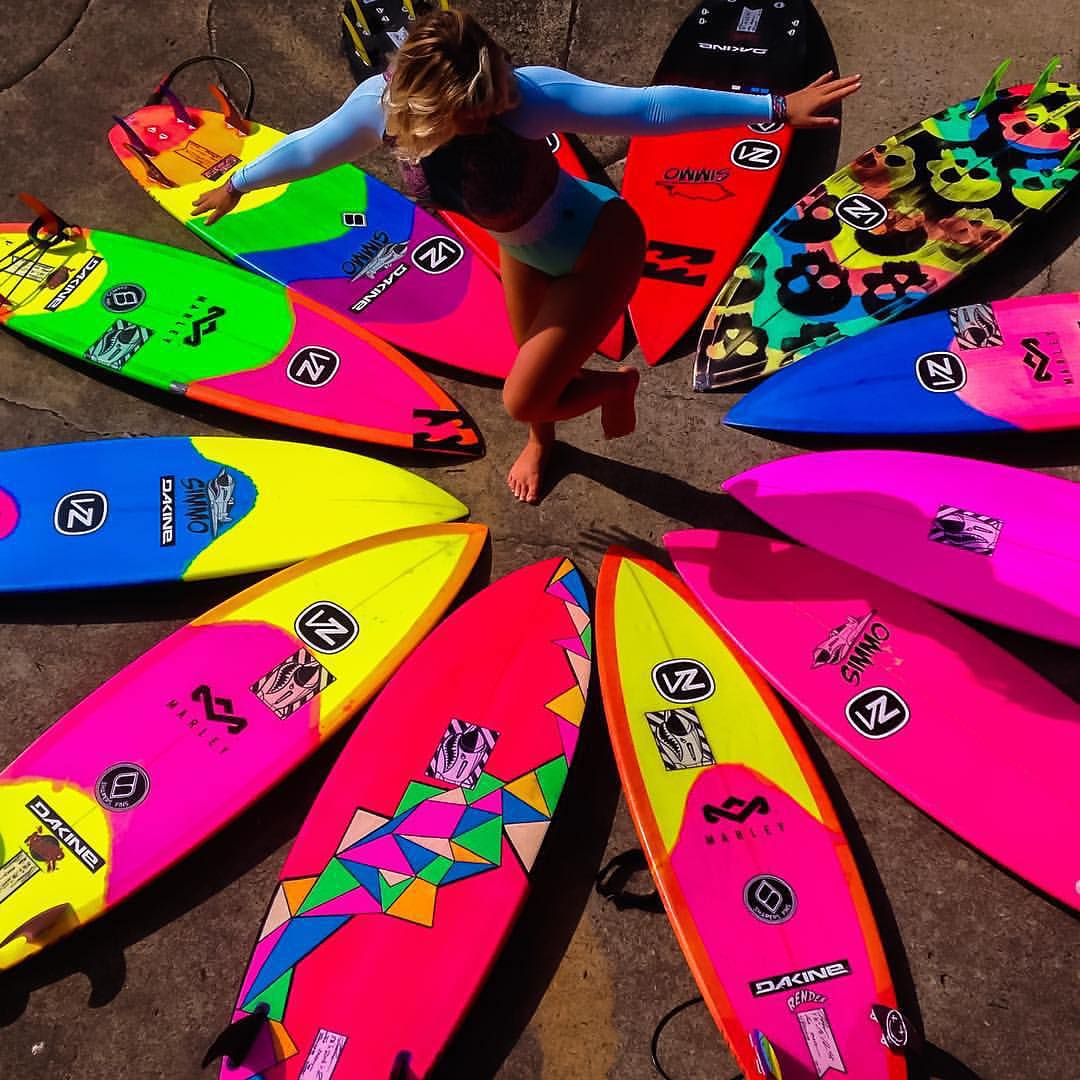 @hollydazecoffeyyy does her happy dance because she's got #QuiverGoals. If this doesn't spell out a wave smashing party we don't know what does. #VonZipper #SupportWildLife