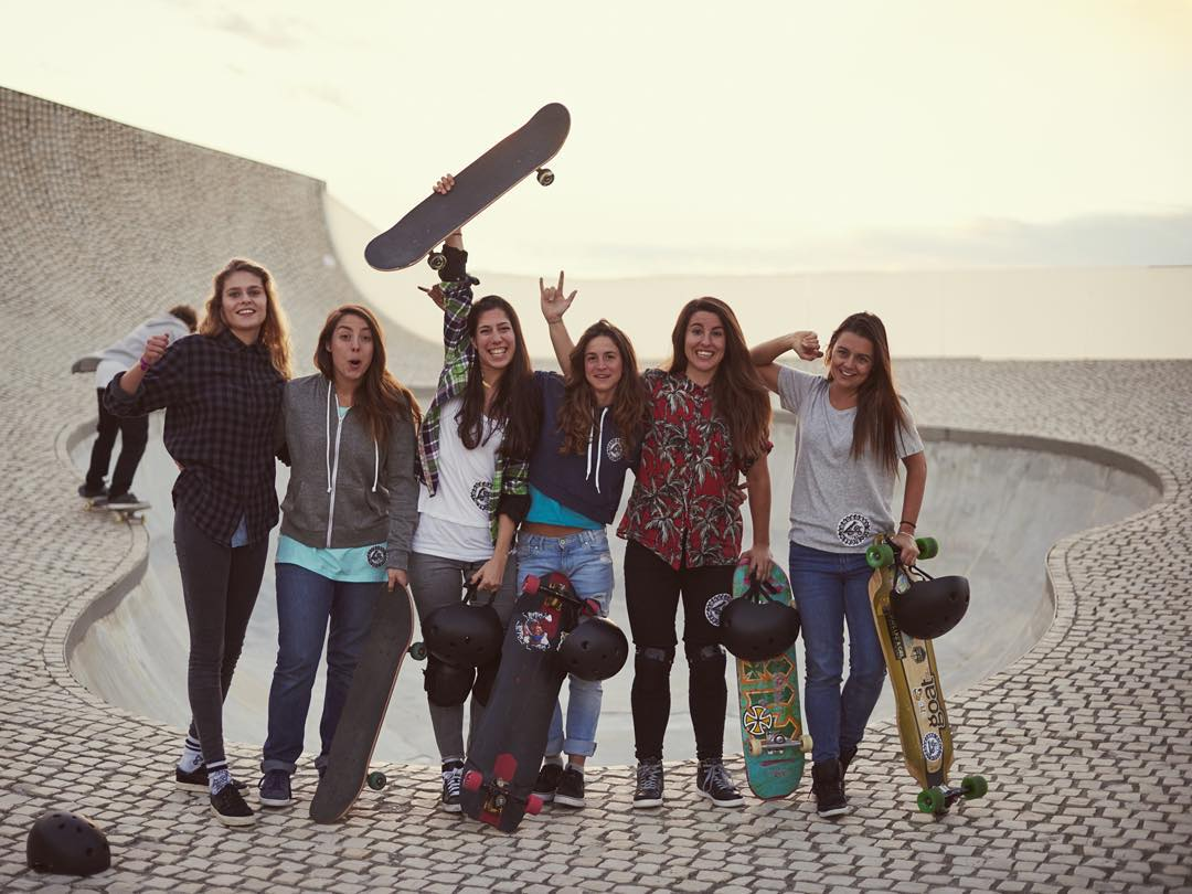 Go to our Fb page to check out the 360 video from our shooting with @bouyguestelecom. Pretty amazing!  @theogosselin photo.  #longboardgirlscrew #4GBouygues #womensupportingwomen #skatelikeagirl #biarritz #LGC #femkebosma #ishtarbacklund...