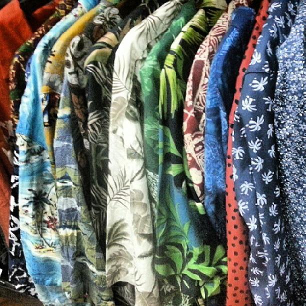 infernal variedad de #camisashawaianas volvieron a entrar.. mas de 40 diferentes importadas y nacioneles #avStaFe4096