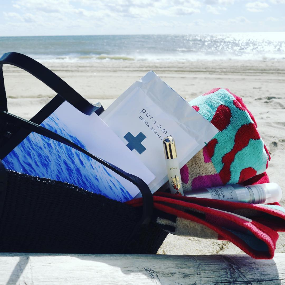 We like to keep good company. So we are particularly honored to be in @leilanibishop's ultimate beach bag. In the spirit of giving, she is donating 100% of the proceeds from this tote full of goodness from @marahoffman @pratimaskincare @clarevivier and...