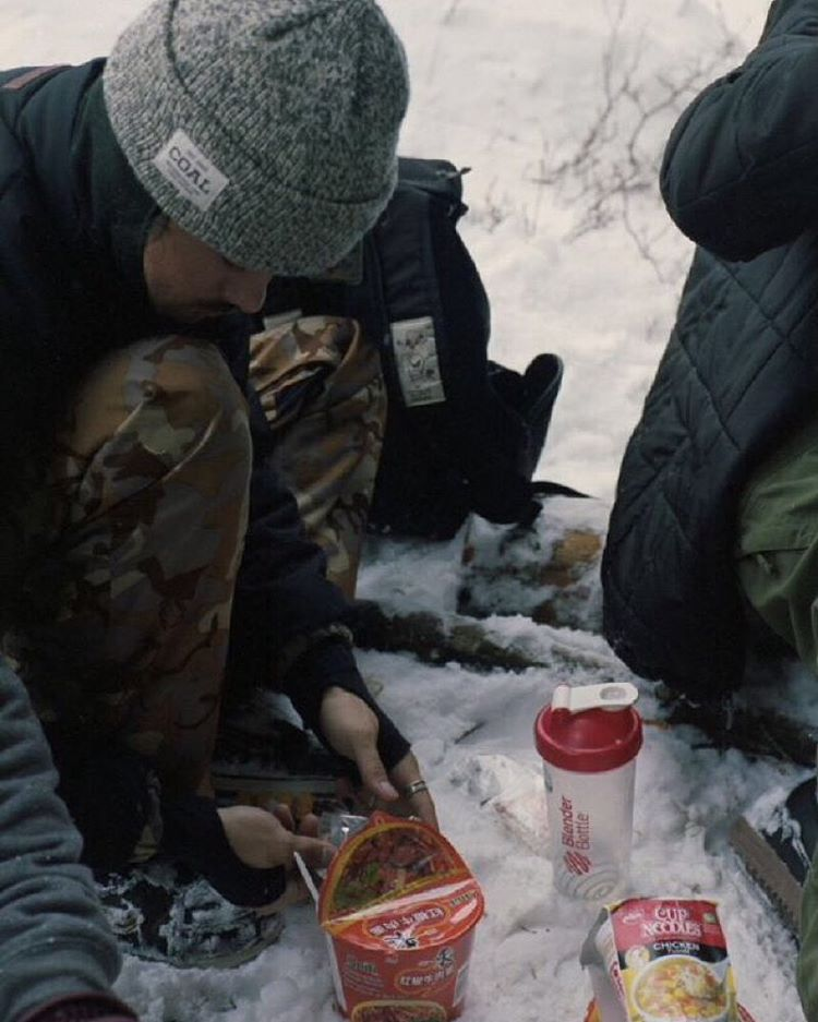 Coal ambassador @jessegouveia takes a ramen break during a @bonezonebrighton sesh in the Uniform SE beanie.