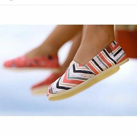 Disfrutando el sol .. más liviana por gentileza. @perkyshoesar  #Perky #shoes #alpargatas #style #lifestyle #life #SUP #surf #verano #puntadeleste