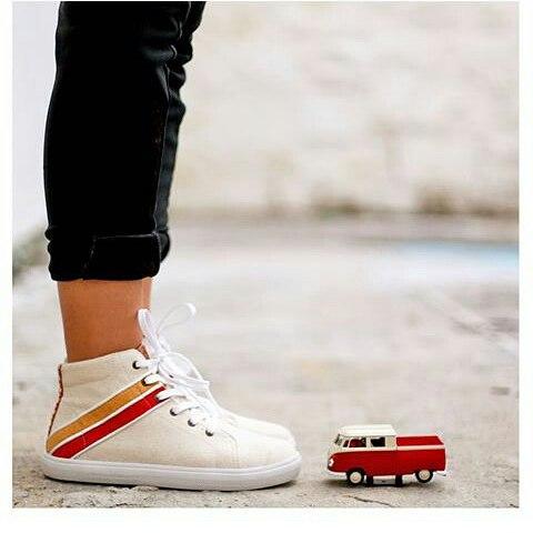 Zapas @perkyshoesar ... Haciendo tu recorrido más liviano... #zapas #tenis #shoes #verano #style #pop #vintage
