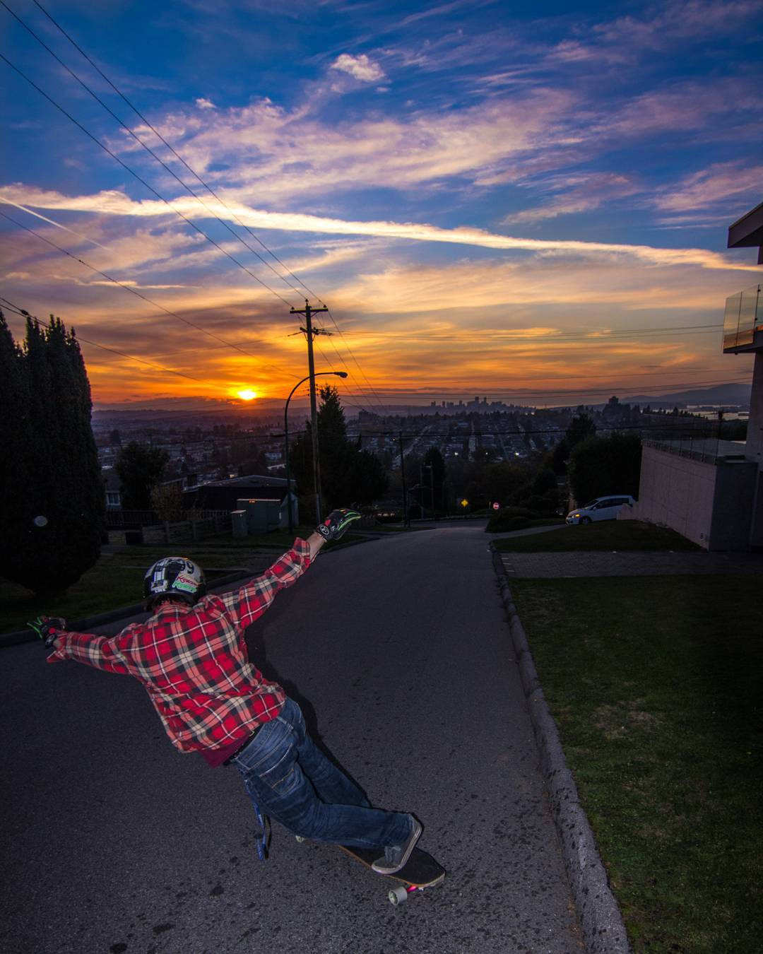 @frankboileau with a crazy sunset #toeside on Capitol Hills in BC.  Photo by @samblaizz #restlessboards #restlessfishbowl