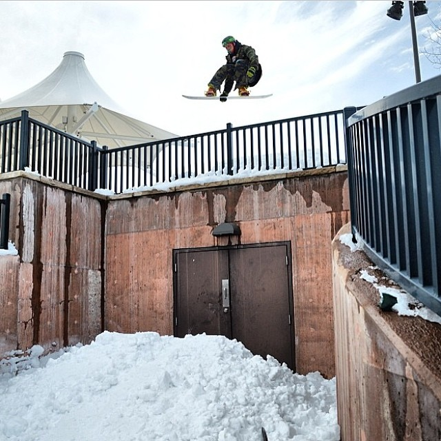 @camocody is the man! Another great shot from our boy. Colorado has had a great season and Cody, as always, is taking advantage if the good times! @antufilms @inicooperative @cloudpen @theglostick #forridersbyriders #handmadelaketahoe #smOKin