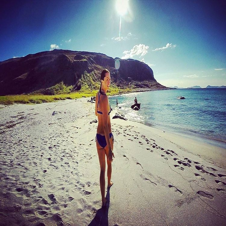 Today on the #blog: Our girl @insta_susi's #SurfGuide to the northern coast of Norway! Enjoy via our profile link
