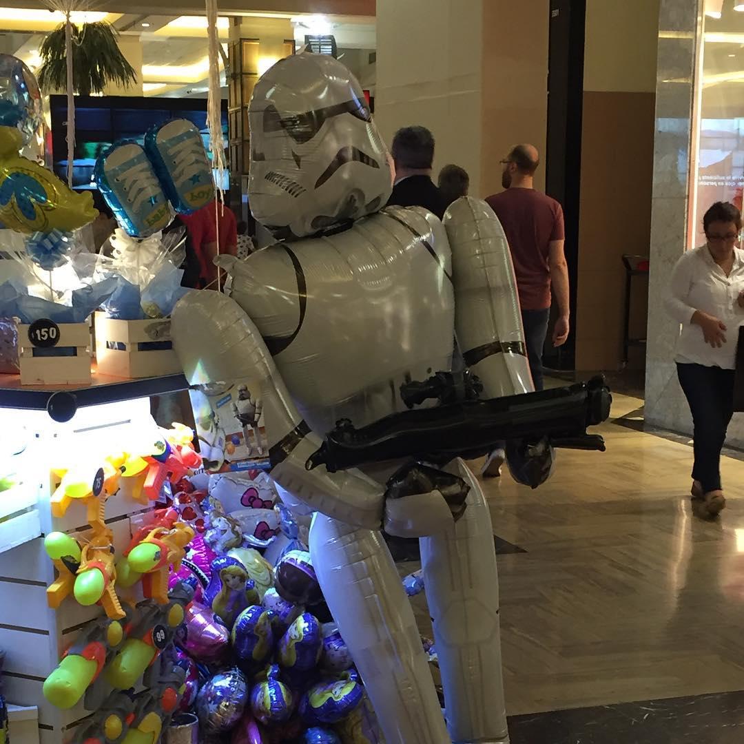 Storm trooper tomando corticoides