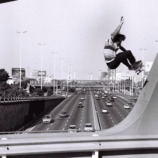 Skate it to the bridge. #skate #louiebarletta