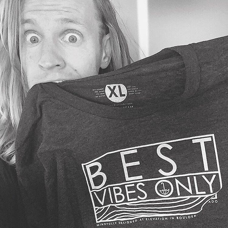 flashback w/ @rorykramer and his 'best vibes only' tee  peep his recent work with @thechainsmokers and @justinbieber
