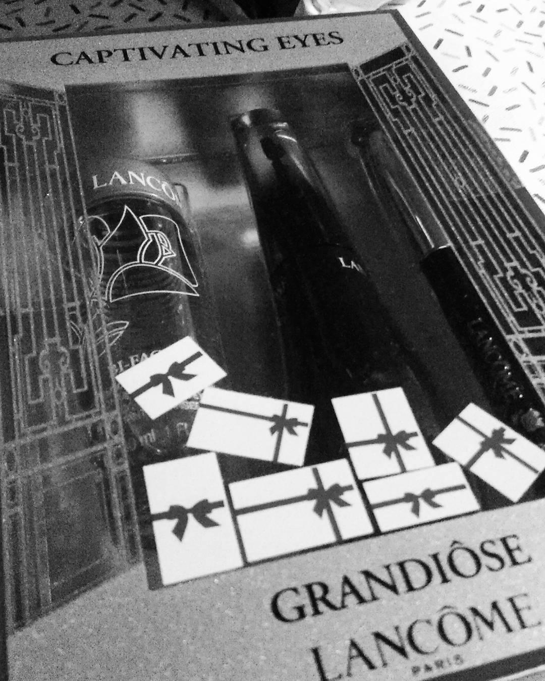 ❤ Se vienen las fiestas y ya me auto regalé este lindo set #lancôme #gradiôse