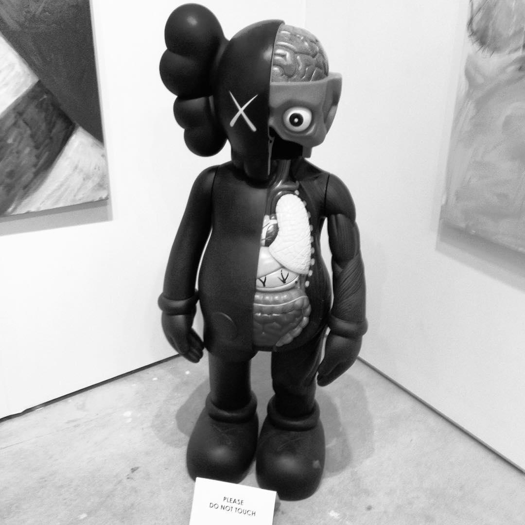 @kaws at @artmiami_ #kaws #artbasel #artmiamifair #midtown #miami