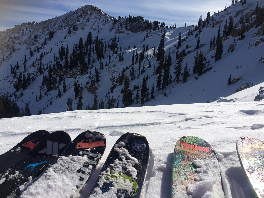 SheJumpers run into each other atop Catherine's Pass at @altaskiarea and they all have the same sticker! Sunset Peak in the background. #iamsj #shejumps