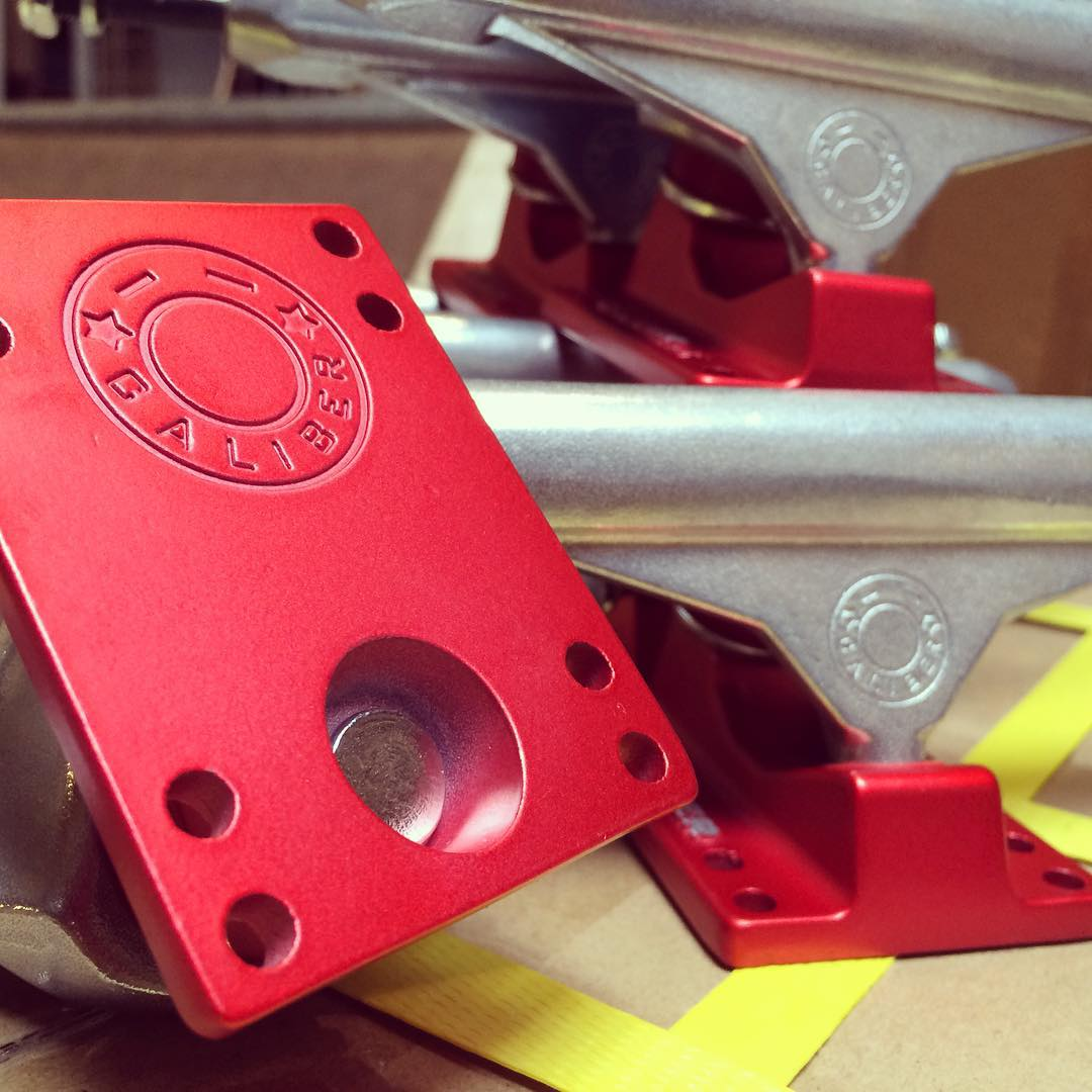 #caliberstandards with new #Red #Satin base plates available in 3 sizes! #OUTNOW #getsome and go #skateboarding
