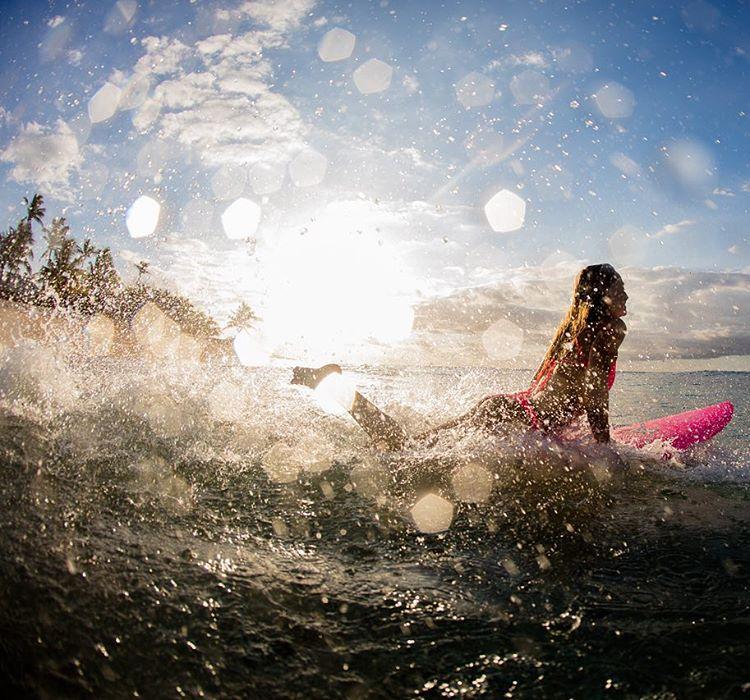 It's surf o'clock at @tavaruaislandresort