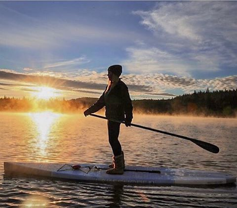 Misty Monday Mornings  @hannahbrie early morning paddle boarding with her Heather Charcoal beanie  #Kameleonz #Mondays #NatureIsWonderful