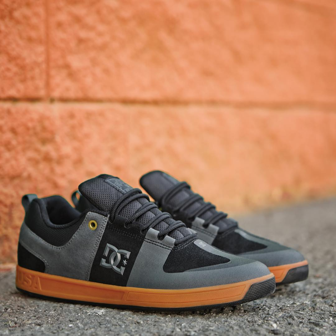 "The #DeLaCalleDaRua edition Lynx Prestige are now available at @activerideshop and finer skateshops worldwide. Every pair purchased at Active comes with a free ""De La Calle/Da Rua"" DVD. More info at dcshoes.com/DeLaCalleDaRua #DCShoes"