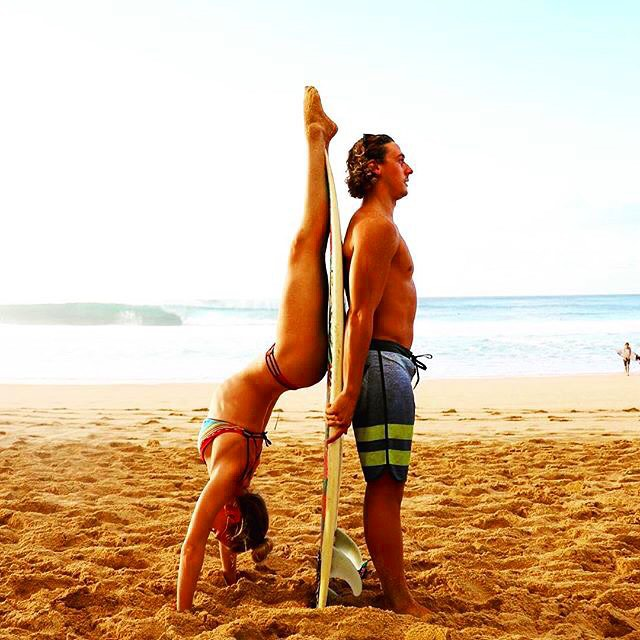 Balance is everything. @connorbobonnor and @taylorditty on the North Shore || #nectarlife #enjoymore #surf