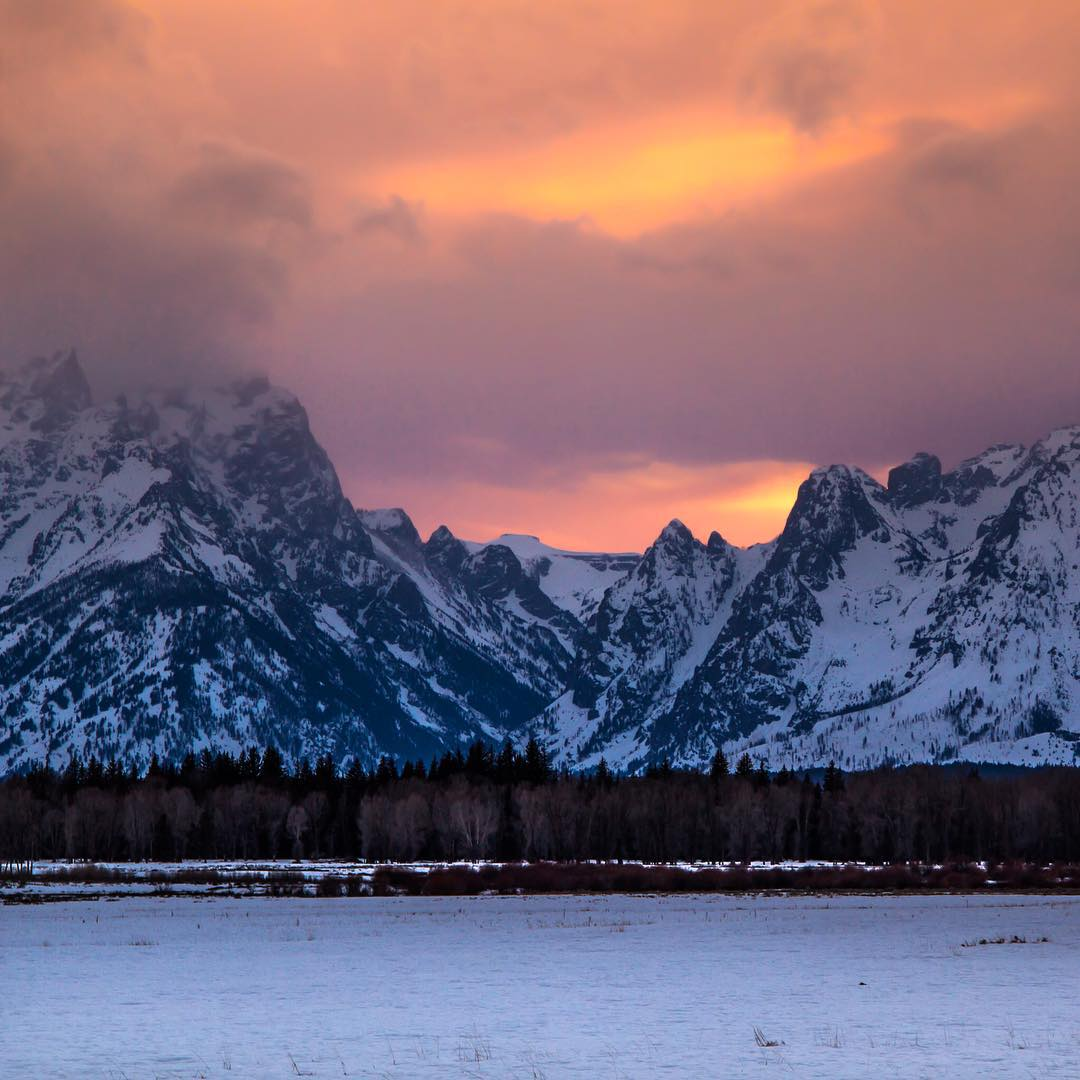 Winter is here.  @elisabethontheroad soaks up some epicness in the Tetons.