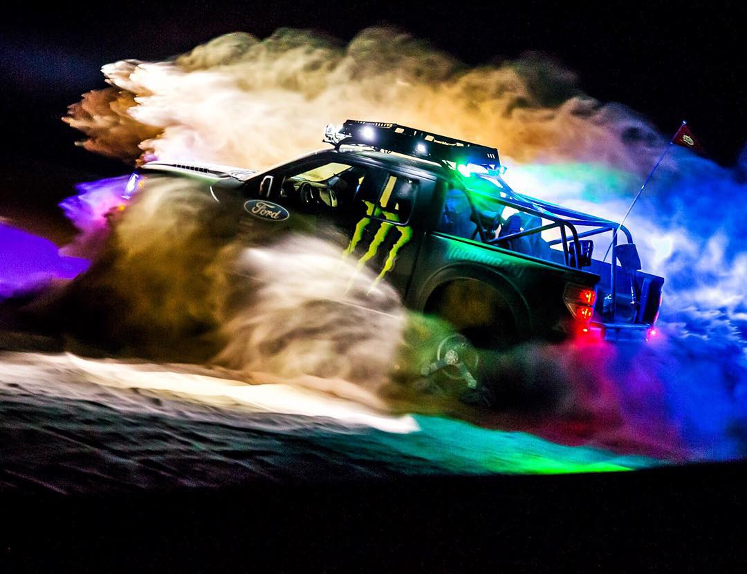 HHIC @kblock43 playing with his Ford #RaptorTRAX out at the Glamis dunes tonight. 650hp Trax + Dunes = Hell Yeah. |