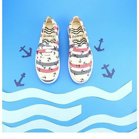 Aires del mar... buen día #Perky #perkyshoes  #mar #surf #shoes #sliders #beach