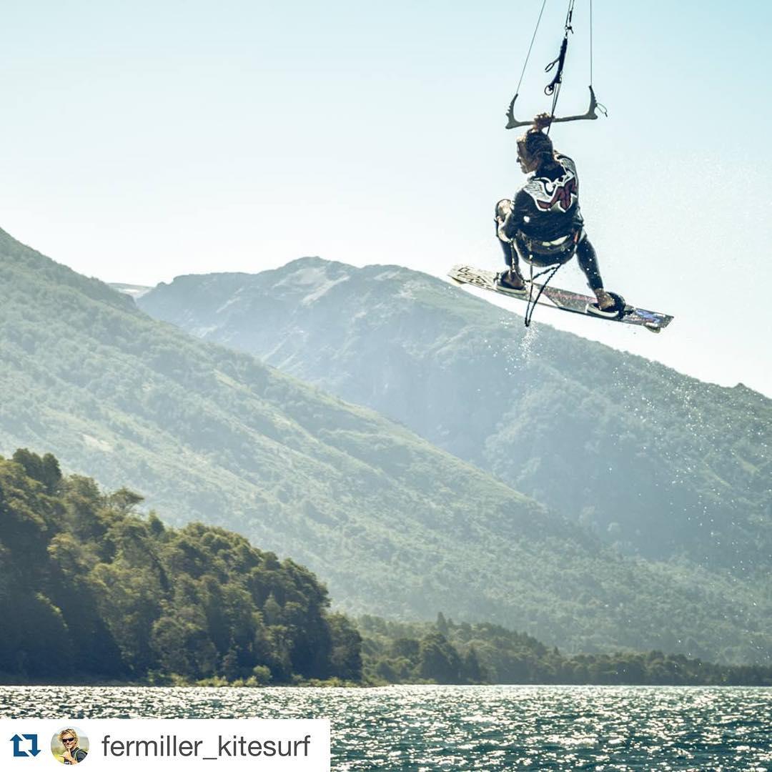 @fermiller_kitesurf flying in Patagonia! #fermiller #ridingpatagoniavari #ridinglife #riderpro #kite #kitesurf #kiteboarding #patagonia