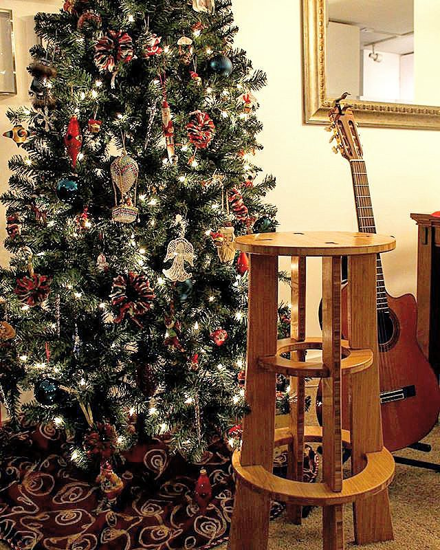 Wouldn't it be nice wake up with a new bamboo guitar stool under the tree?  #guitar #barstool #stool #bamboo #furniture #holidays #gift #giftideas #giftsforhim #giftsforher #guitarist  #shopping #buylocal #madeinamerica  #usa #ecofriendly #bamboostool...