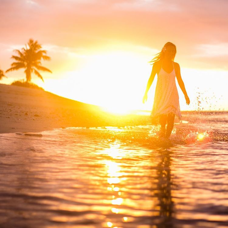 May every sunrise hold more promise and every sunset hold more peace. @tavaruaislandresort
