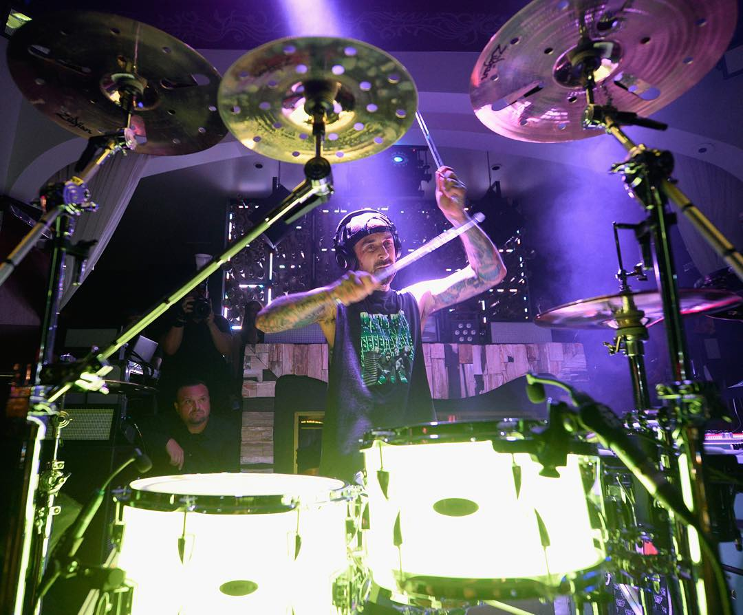 @Blink182 is rumored to be releasing a brand new album in 2016!