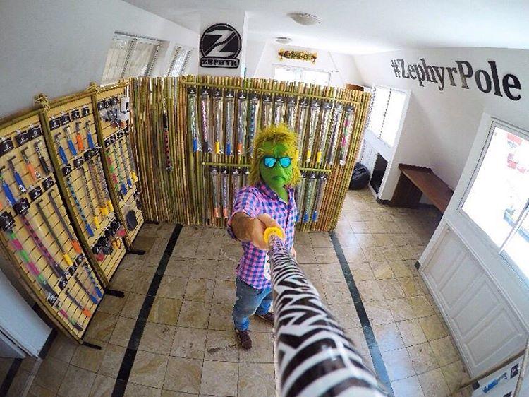 Pasate de Lunes a Viernes, de 13 a 19hs por nuestro Showroom en Recoleta! #TheZephyrGrinch te va a estar esperando!