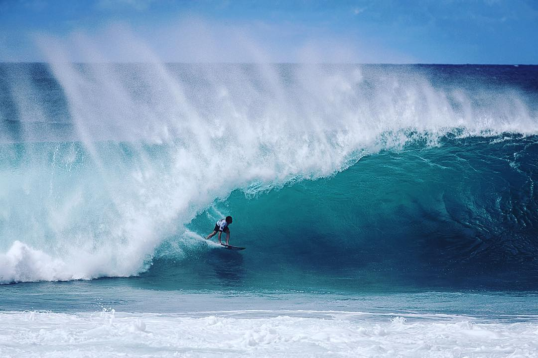 After an epic day of surfing yesterday @whoisjob snags his spot in the #billabongpipemasters  #allthingswater #bodyglove Tune in today @wsl .com