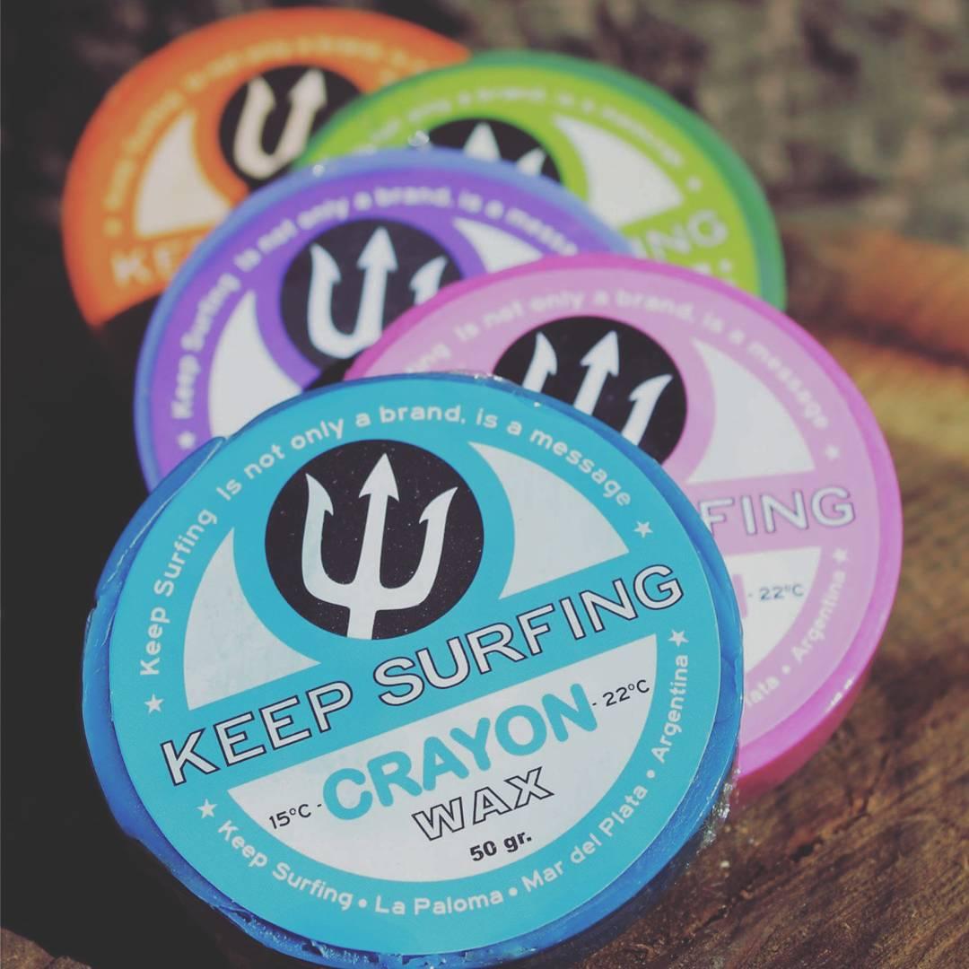 Para ponerle un poco mas de onda a tu tabla, elegi las Keep surfing CRAYON. Buenisimas!!!