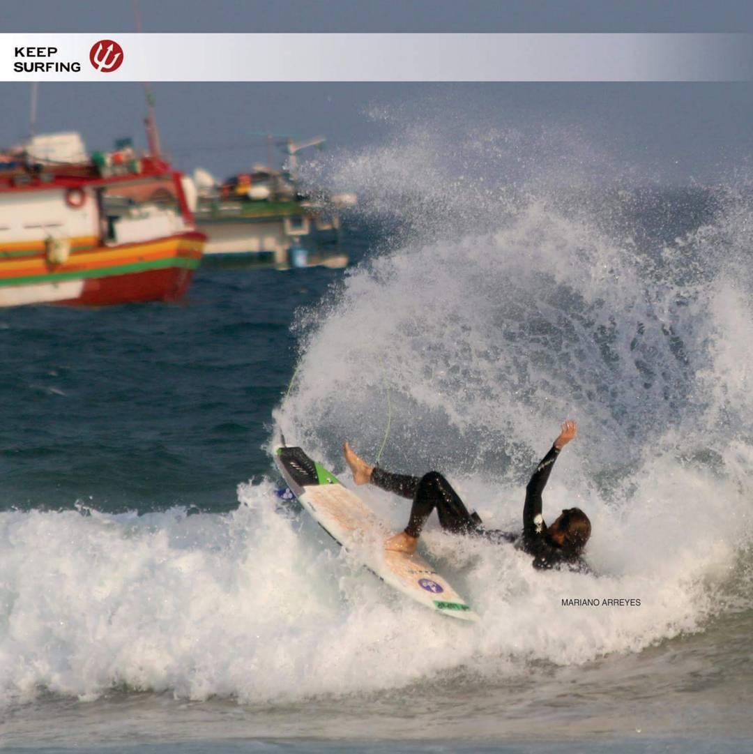 El rider cordobés @marianoarreyes deja todo en manos de Keep Surfing Wax en esta maniobra!
