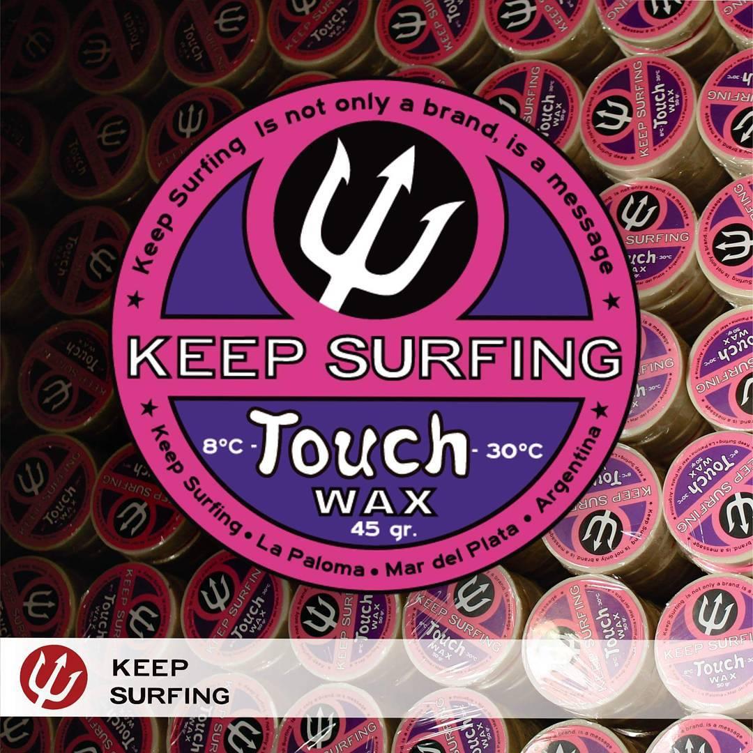 """Es la parafina """"diferente"""" tiene un agarre inmejorable, en cualquier clima úsala por encima de la parafina KEEP SURFING que mas te guste para tener un agarre extra, pero cuidado en temperaturas altas se vuelve muuy pegajosa!"""