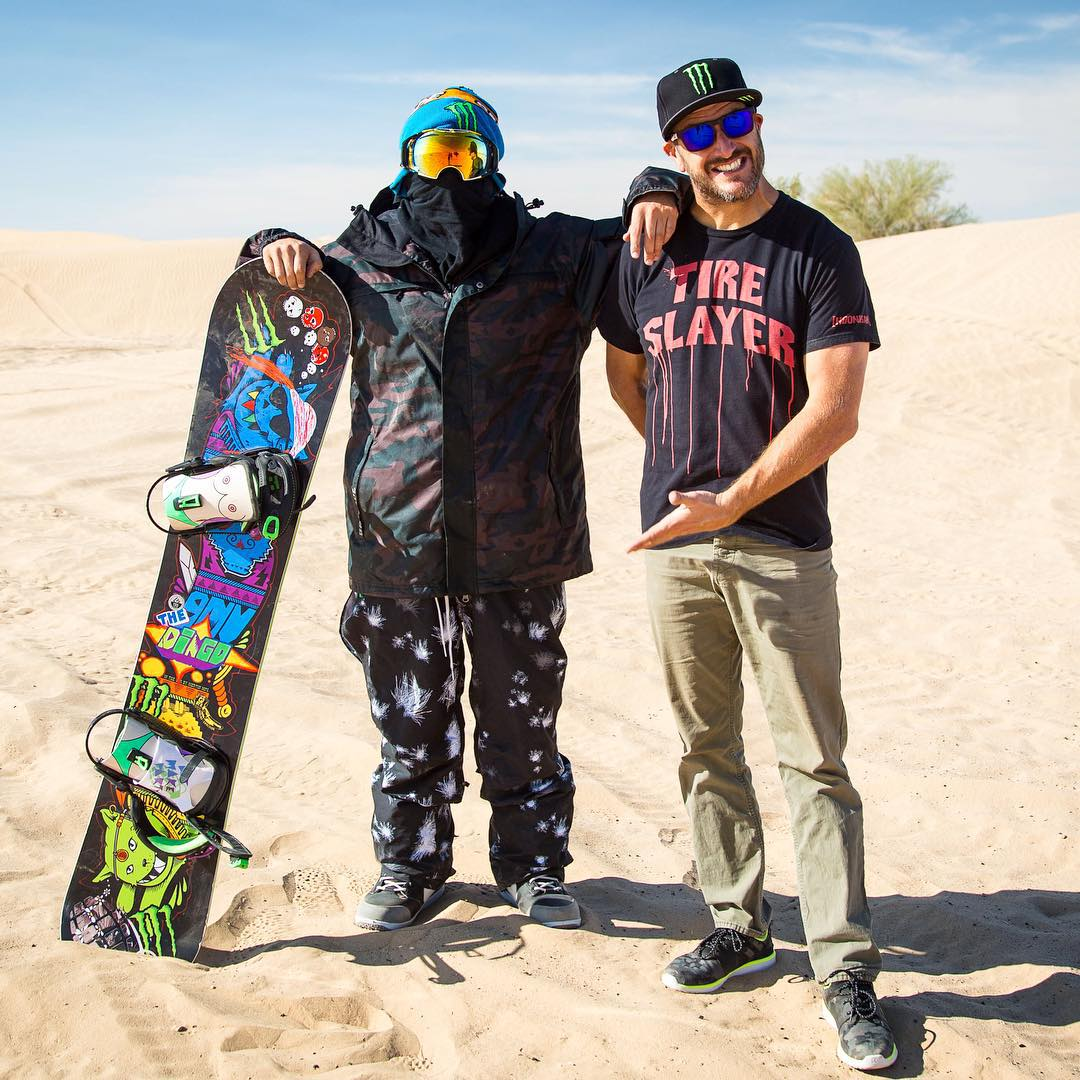 I found a Dingo in the desert! @TheDingoinSnow, that is. And he's dressed in… snow gear?? Ha. More on this later. @MonsterEnergy #Doonies2 #dressthepart